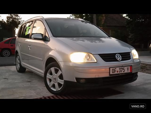 Vand Volkswagen Touran 2010 Benzina