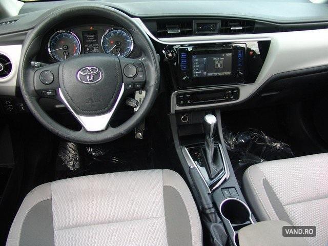 Vand Toyota Corolla 2017 Benzina