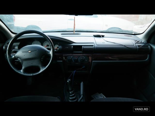 Vand Chrysler Sebring 2002 Benzina