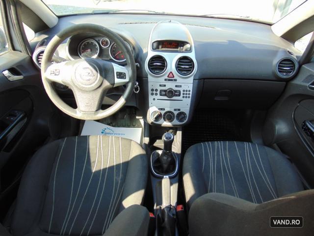 Vand Opel Corsa 2010 Benzina