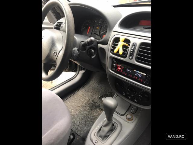 Vand Renault Clio 2000 Benzina