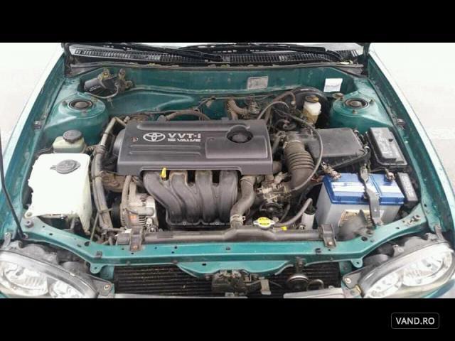Vand Toyota Corolla 2000 Benzina