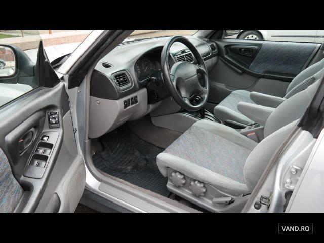 Vand Subaru  1998 Benzina