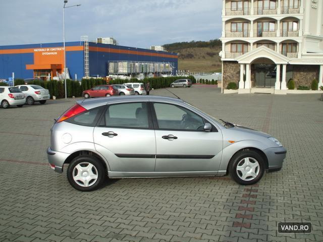 Vand Ford Focus 2003 Benzina