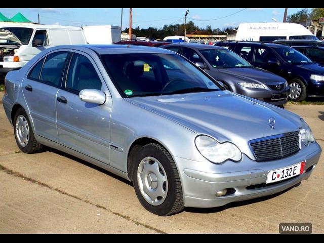 Vand Mercedes-Benz C 180 2003 Benzina