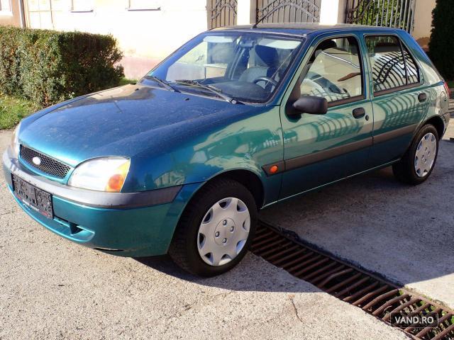 Vand Ford Fiesta 2001 Benzina