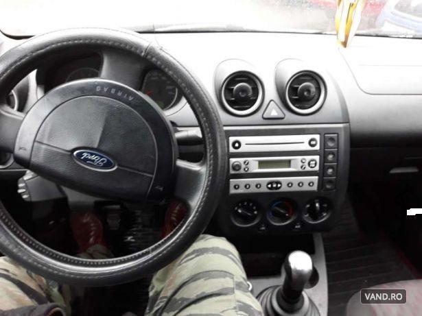 Vand Ford Fiesta 2004 Benzina