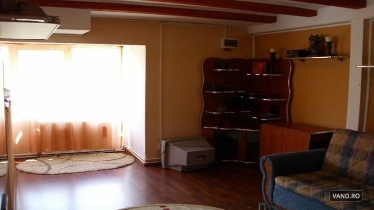 30.000, Urgent apartament 3 camere, in vila, Busteni